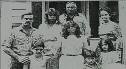 B&W photo of Snedeker Family and the Warrens